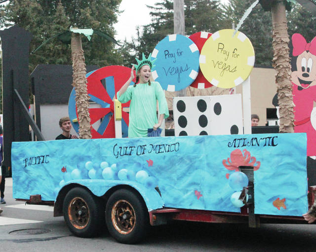 The freshman class float had a North American theme.